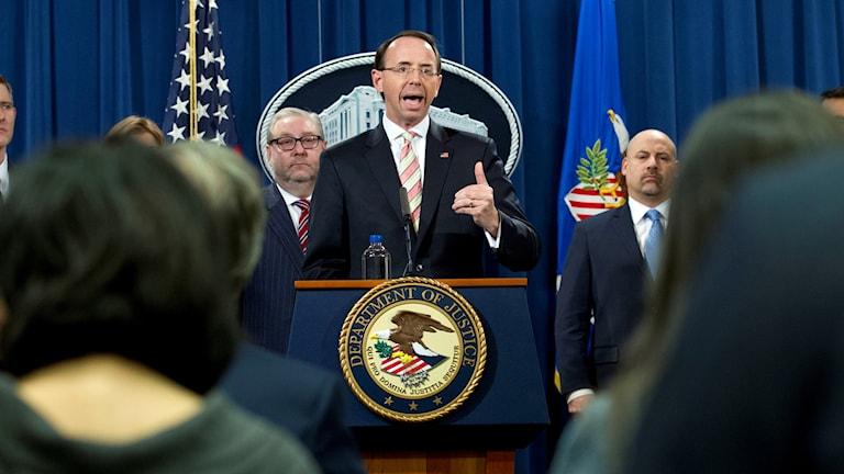 Avgående vice justitieminister i USA: Rod Rosenstein i talarstol