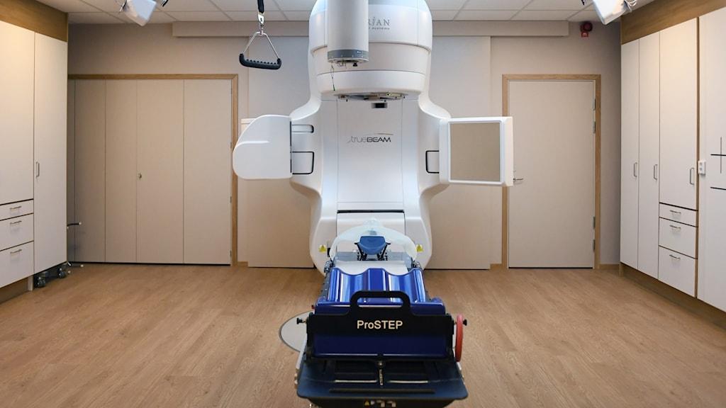 En strålkanon som används vid behandling av cancer.