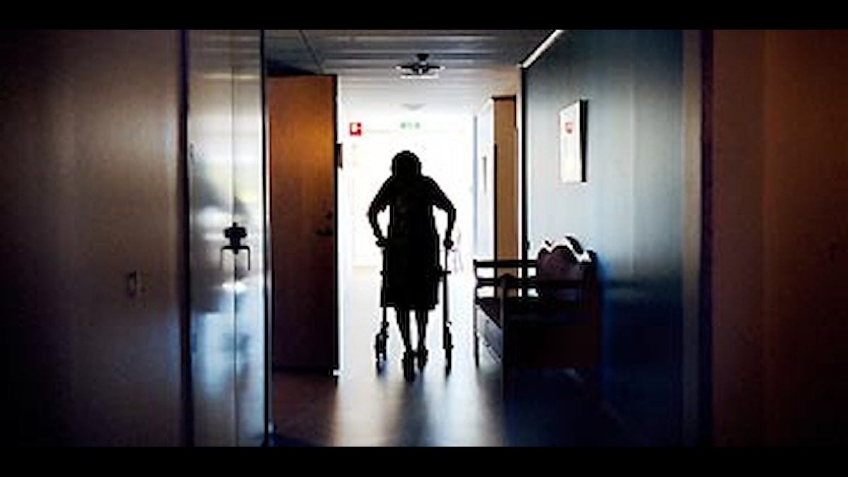 Kvinna med rullator. Foto: Sofia Sabel/Scanpix.