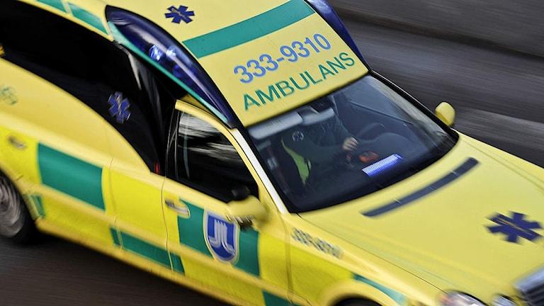 Ambulans under utryckning. Foto: Anders Wiklund/Scanpix.