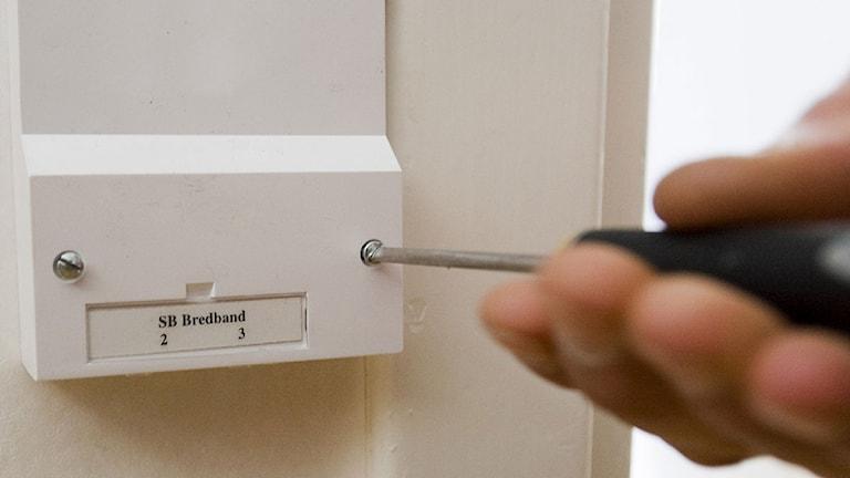 Installation av fiberoptiskt bredband. Foto: Henrik Montgomery/Scanpix.