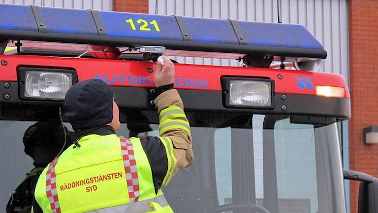 Kamera på en av räddningstjänstens bilar som rycker ut i Rosengård i Malmö. Foto: Räddningstjänst Syd.