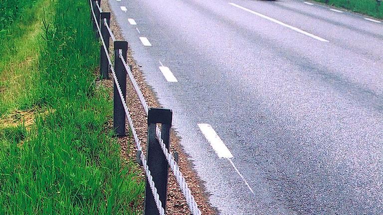 Vajerräcken längs landsväg. Foto: Kerstin Ericsson/Trafikverket.