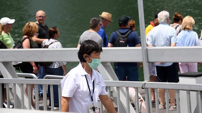 Turister i Singapore på tisdagen.