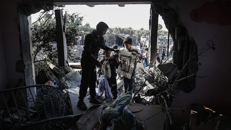 Strax innan vapenvilan trädde ikraft dödades åtta personer som alla tillhörde samma familj i Gaza.
