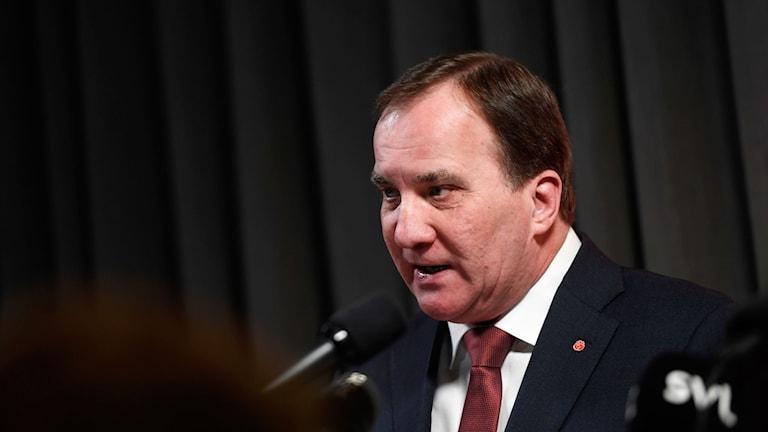 Stefan Löfven presenterar partistyrelsens förslag på nya politiska riktlinjer inför S-kongressen.