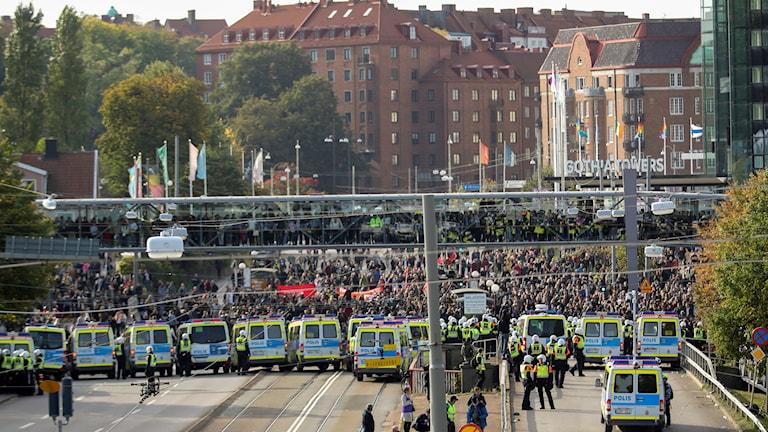 Polis motdemonstranter liseberg