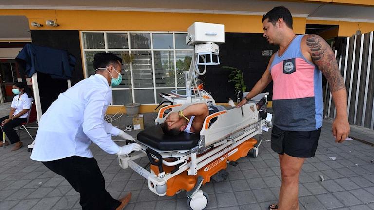 Både boedne och turister skadades i jordskalvet på Lombok i Indonesien.