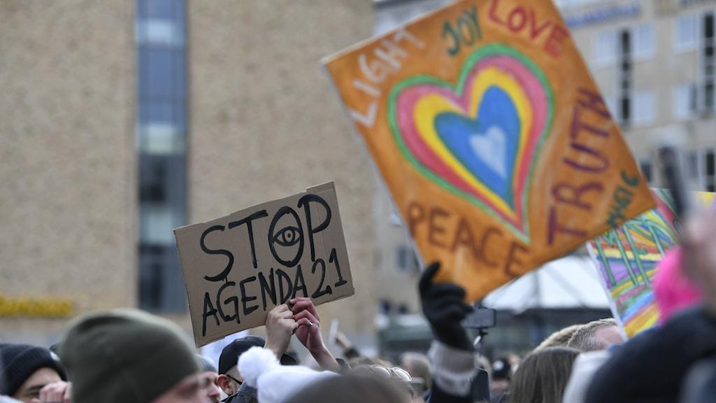 Tusenmannamarschen mot restriktioner den 6 mars i Stockholm.