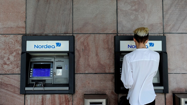 Bild på Nordeas uttagsautomater.