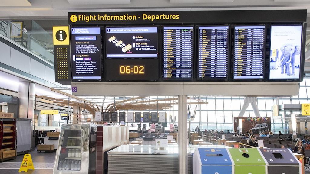 Avgångshall på Heathrow.