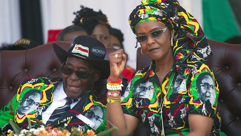 Robert Mugabe och Grace Mugabe, här på en rally i Gweru, Zimbabwe, september 2017. Foto: Tsvangirayi Mukwazhi/TT.