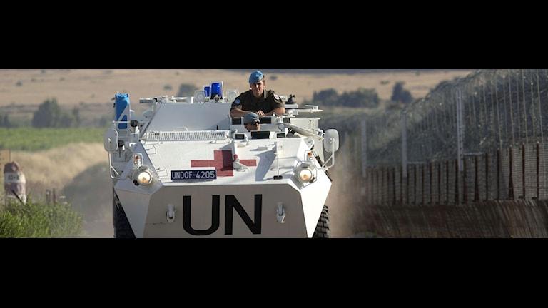 Fredsbevarande styrka på en väg i Golanområdet. Foto: Menahem Kahana/Scanpix.