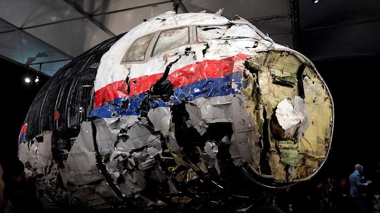 En rekonstruktion av planet MH17 med hjälp av de delar som hittades på platsen där planet hade skjutits ned.