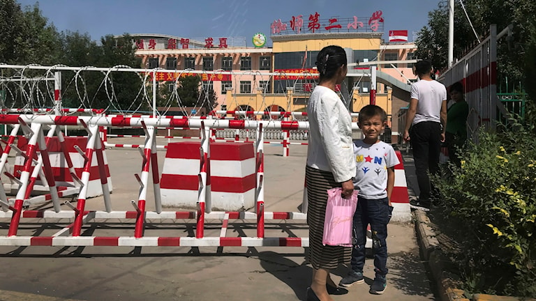 Vägspärr i Xinjiang Kina