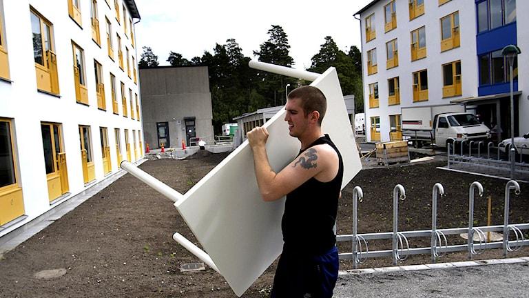 Inflyttning pågår i de nybyggda studentbostäderna i Kungshamra/Bergshamra. Foto: Jurek Holzer/Scanpix.