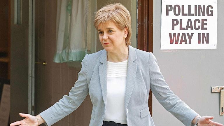 Nicola Sturgeon Är Skottlands försteminister och partiledare för partiet SNP.