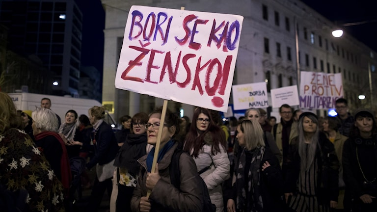 Tusentals kvinnor demonstrerade på internationella kvinnodagen i Zagreb, Kroatien förra året.