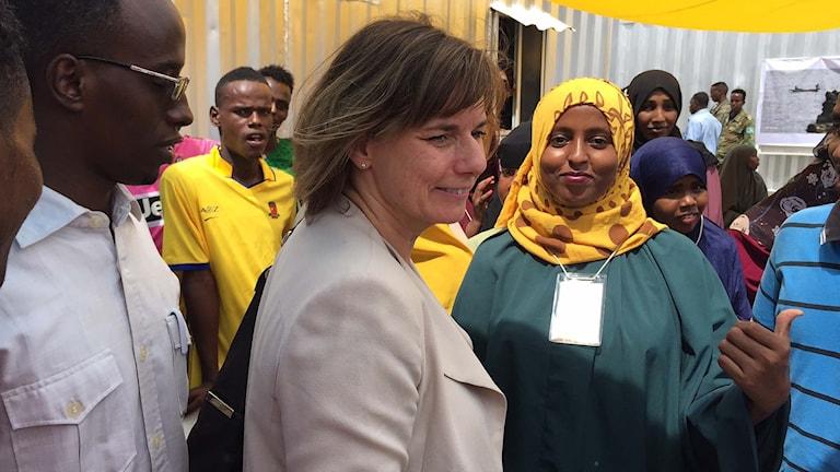 Biståndsminister Isabella Lövin på besök i Mogadishu.