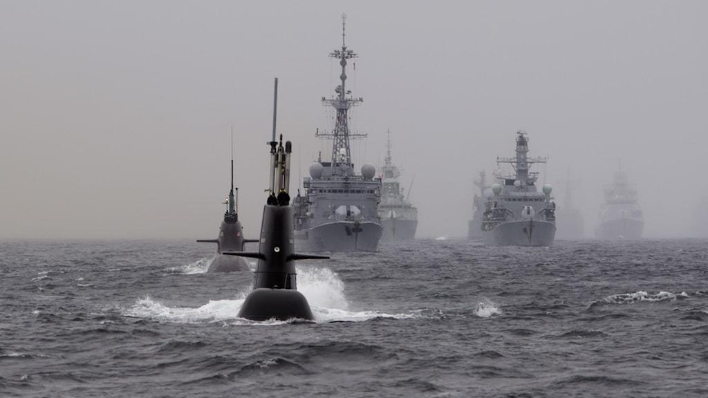 NATO övar med ubåt utanför Bergen.