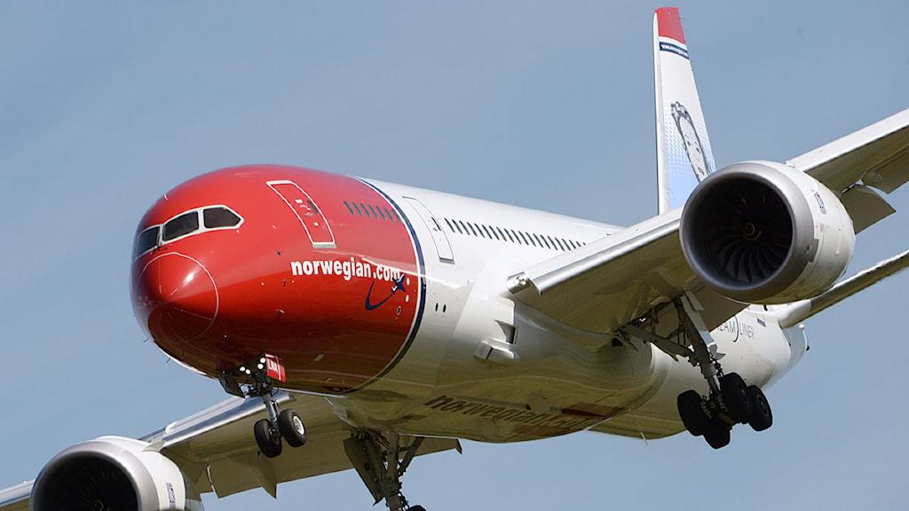 Norwegians Boeing 787 Dreamliner på väg in för landning på Stockholm Arlanda Airport efter en flygning från New York. Foto: Johan Nilsson/Scanpix