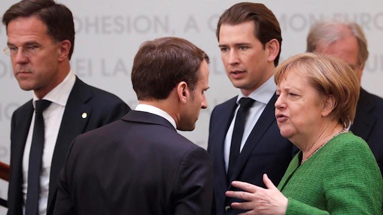 Frankrikes Macron möter Tysklands Merkel på EU-toppmötet i Rumänien.