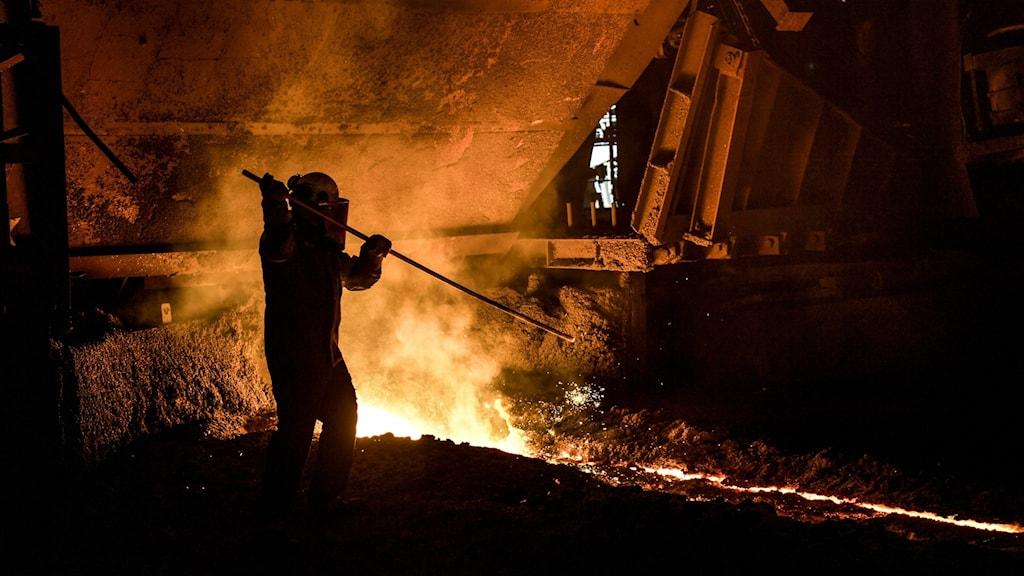 Ståltillverkning. Tillverkningen av stål står för cirka 10 procent av Sveriges utsläpp.