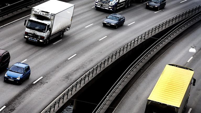 Lastbilar och långtradare på väg. Foto: Yvonne Åsell/TT.