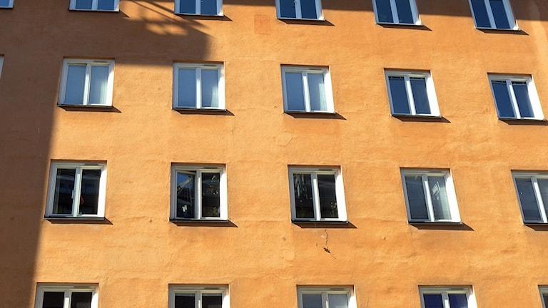 Bild på bostadshus. Foto Hasse Holmberg/TT.