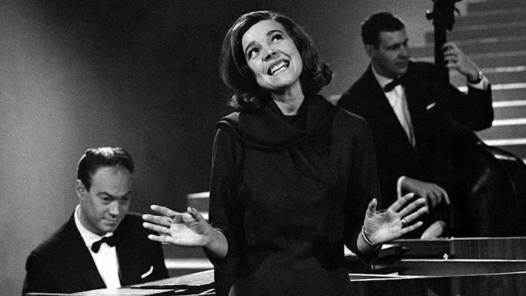 Alice Babs uppträder med Bengt Hallberg 1963. Foto: Ragnhild Haarstad/TT.