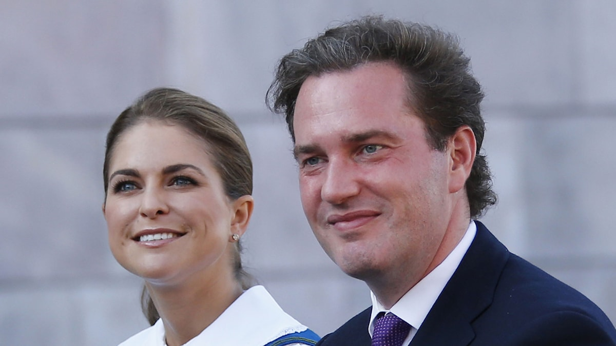 Prinsessan Madeleine och Chris O'Neill på väg till nationaldagsfirandet med kungafamiljen på Solliden. Foto: Foto: Lise Åserud /TT sz3d5636