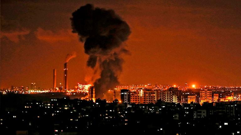 Våldet trappas upp mellan Israel och Hamas.