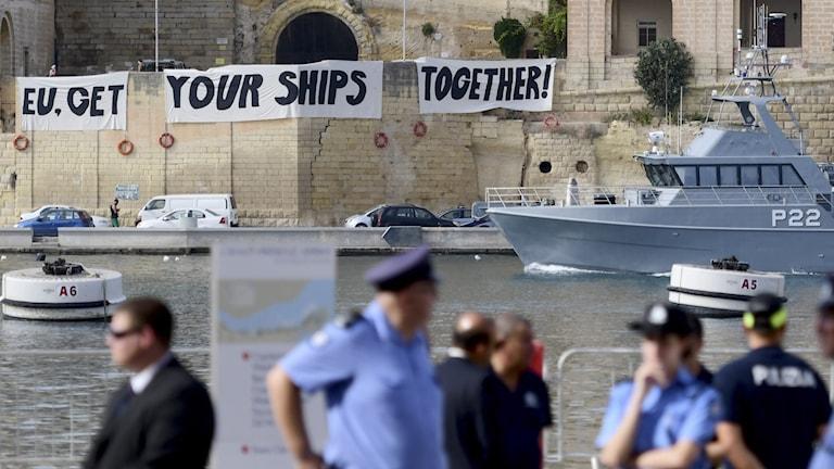 EU:s hantering av flyktingar från Libyen har längre varit en omdiskuterad fråga på Malta. Redan i september uppmanade demonstranter EU att ta större ansvar.