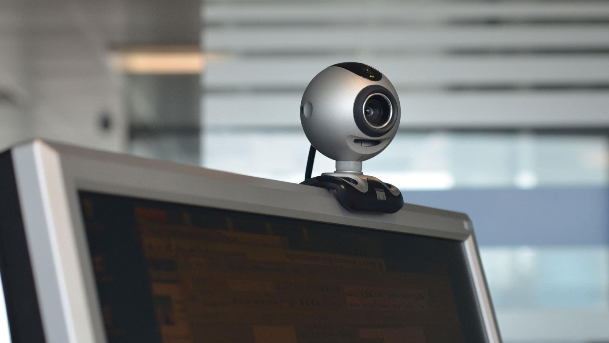 Flicka naken på webcam