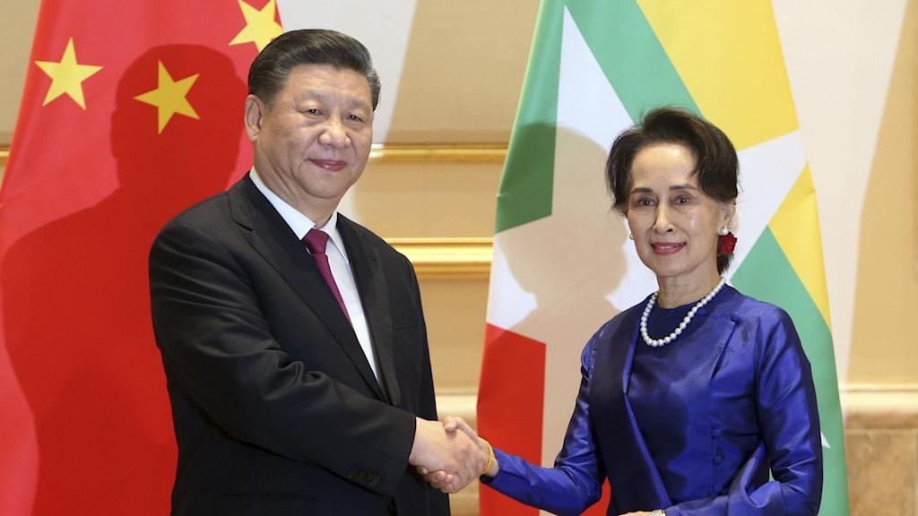 Kinas president Xi Jinping tillsammans med Myanmars ledare Aung San Suu Kyi.
