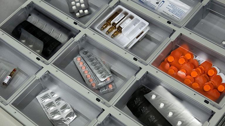 Urval av läkemedel som använd på sjukhus. Foto: Claudio Bresciani/TT.