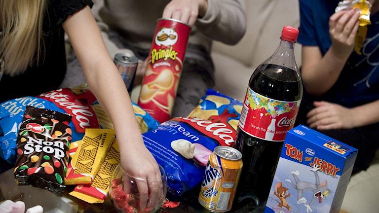 Barn som äter godis