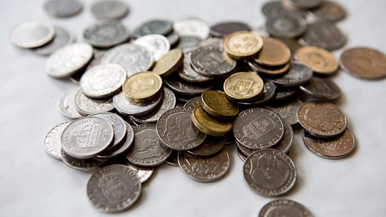 En hög med mynt av olika valörer. Foto: Christine Olsson /TT.