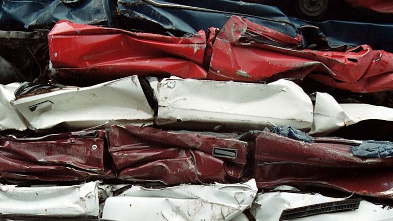 Kraven på att återvinna avfall från skrotade bilar ökar. Foto: Pål Sommelius/TT.