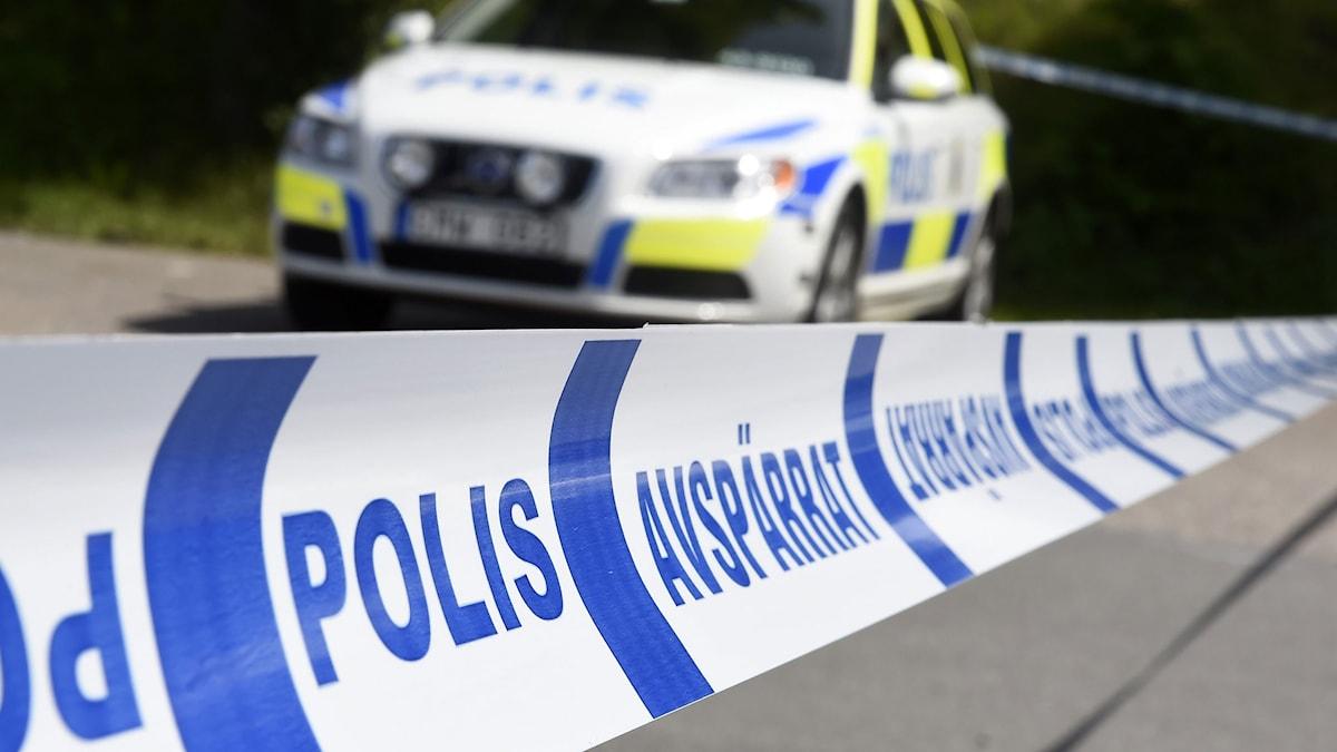 Polisbil bakom avspärrning. Foto: Foto: Mikael Fritzon/TT.