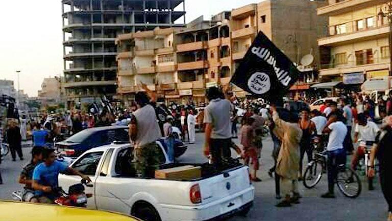 Isis i Raqqa i Syrien. Bilden har lagts upp på nätet av Isis. Foto: Raqqa Media Center of the Islamic State group/TT.