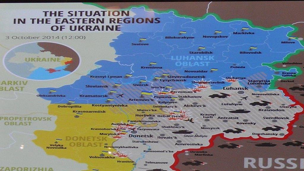 En karta som visar hur läget ser ut var strider pågår och vilka som kontrollerar områdena i östra Ukraina. Foto: Maria Persson Löfgren/Sveriges Radio.