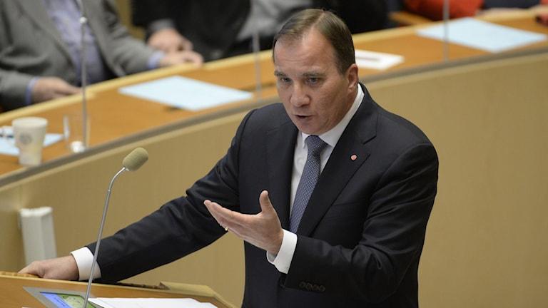 Statsminister Stefan Löfven under partiledardebatten i riksdagen. Foto: Jessica Gow/TT.