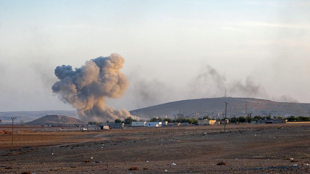 Attacker mot Kobane i Syrien. Foto: Katja Magnusson/Sveriges Radio.