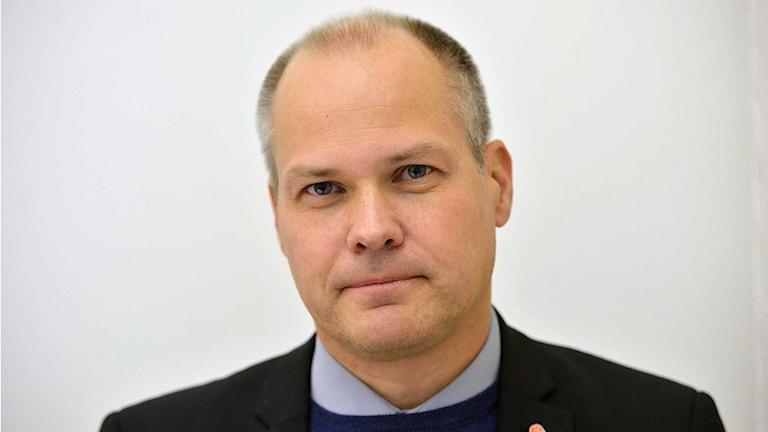 Justitieminister Morgan Johansson vill utreda förbud mot krigsresor. Foto: Henrik Montgomery/TT.