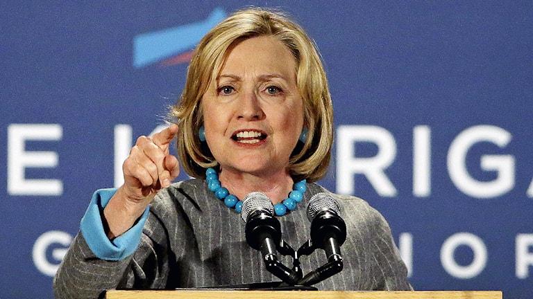 Tidigare amerikanska utrikesministern, Hillary Rodham Clinton, kan bli den första kvinnan att bli USA:s president. Foto:  AP Photo / Stephan Savoia / TT.