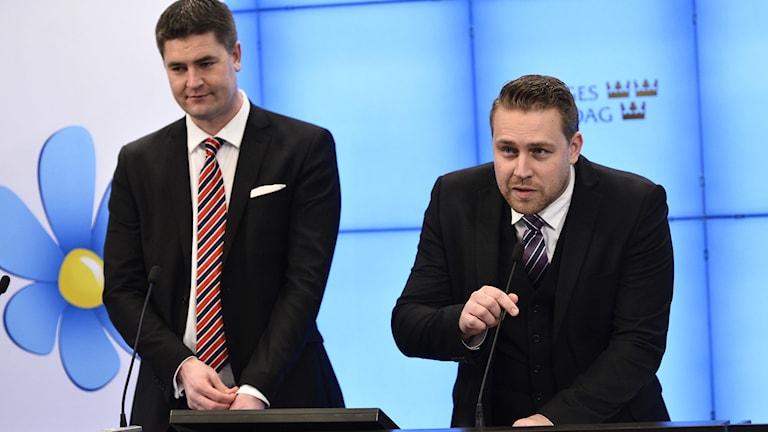 Oscar Sjöstedt och Mattias Karlsson presenterade Sverigedemokraternas skuggbudget. Foto: Claudio Bresciani/TT.