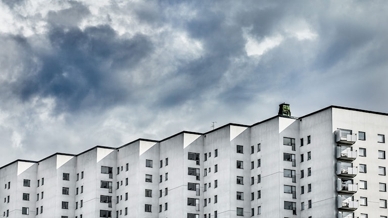 Bild på flerfamiljshus. Foto: Tomas Oneborg/TT.