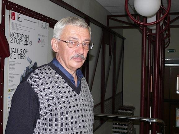 Rysslands mest kända människorrättsorganisation, som också dokumenterar brott från Sovjettiden riskerar att stängas. Oleg Orlov är en av grundarna i Moskva. Foto: Maria Persson Löfgren/SR