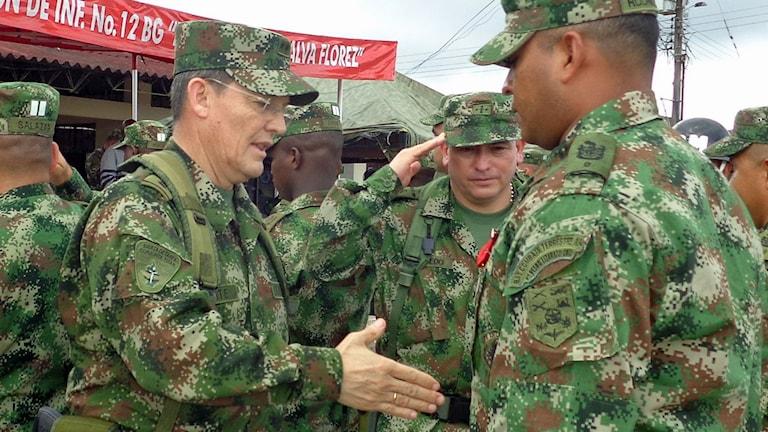 General Ruben Dario Alzate kidnappades av Farc-gerillan. Nu ska han släppas och förhandlingarna återupptas. Foto: Colombian Army press office/AP.